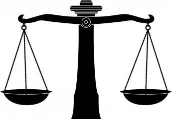 الشريك في شركة – قاضي المستعجلات – طلب خبرة لتحديد الأرباح – لا